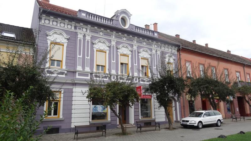 2-Szentgotthard i palazzi colorati