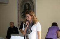 """Roberta Nadini, Segretario dell'Associazione, introduce """"Presenze di spirito"""" de I semi neri."""